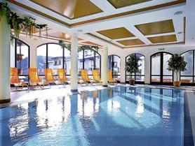 Vnitřní bazén hotelu Alpenruh Micheluzzi, Serfaus