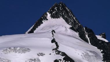 Pohled na vrchol Grossglockner, Tyrolsko