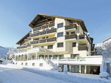 Pohled na hotel Alpenruh Micheluzzi, Serfaus
